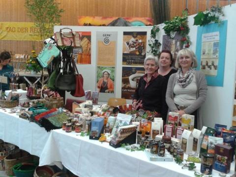 """Fairkaufladen präsentierte sich beim """"Tag der Regionen"""" in der Mehrzweckhalle"""