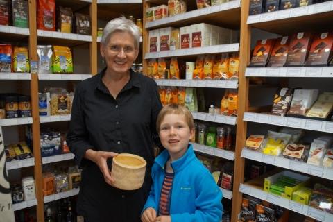 Glücksprinz Samuel zieht die Gewinner des Reisrätsels