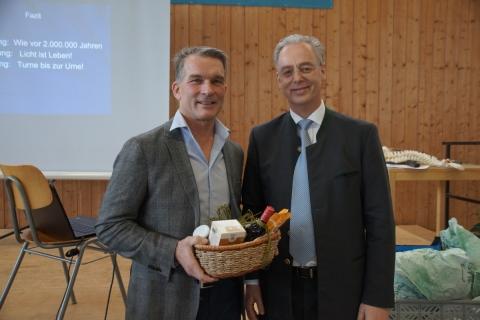 Faire Geschenkkörbe und Petershausener Kaffee beim Gesundheitstag