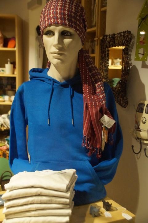 Einfach anziehen(d)- T-Shirts, Hoodies und Jogginghosen