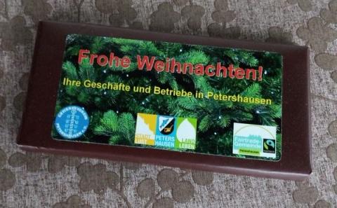 Gewerbevereins-Mitglieder  verschenken fair gehandelte Weihnachtsschokolade