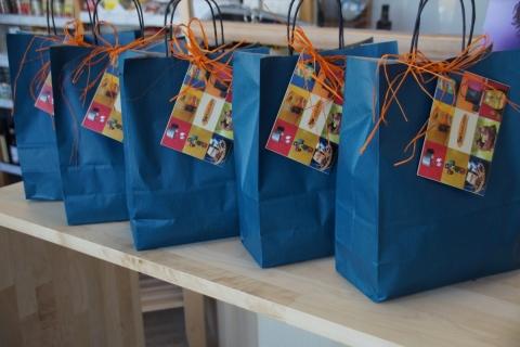 Faire Geschenktüten für die neu gewählten Gemeinderäte
